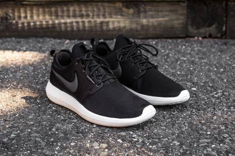 Nike Roshe Two Black-Sail angle