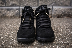 Under Armour Curry 1 Mid Black-Black Suede front