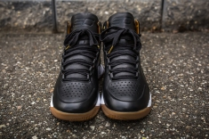 Under Armour Curry 1 Mid Leather Black-White front