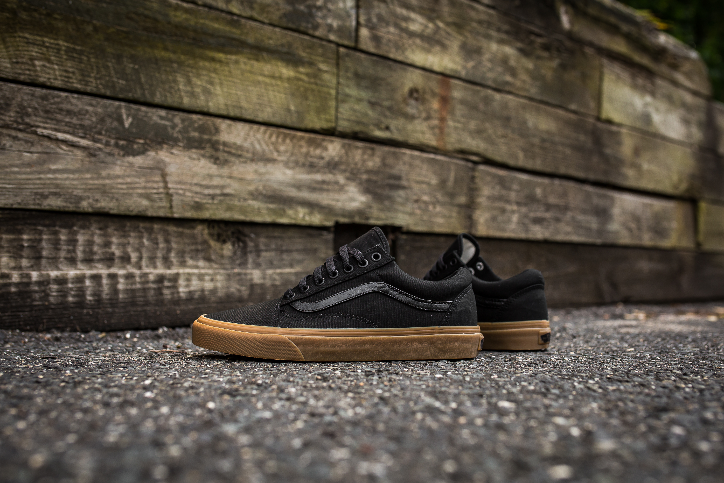 vans old skool light gum black