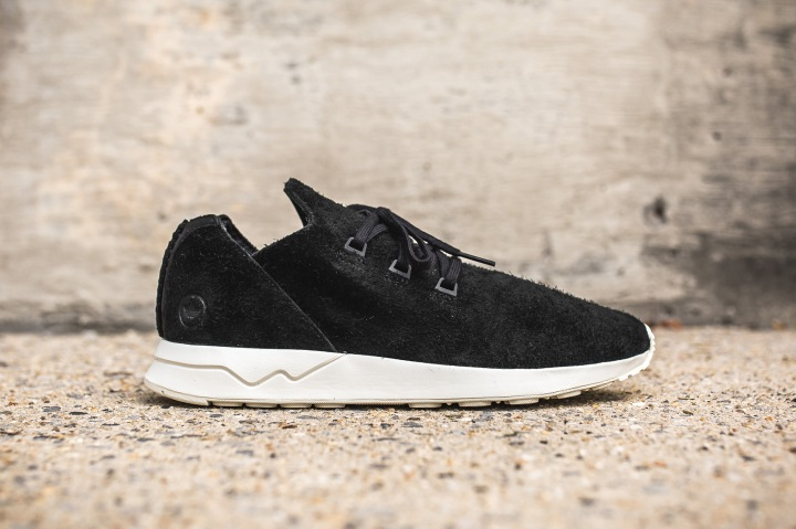 adidas-wh-zx-flux-x-black-offwhite-side