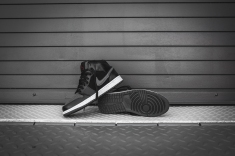 air-jordan-1-mid-premium-black-dark-grey-17
