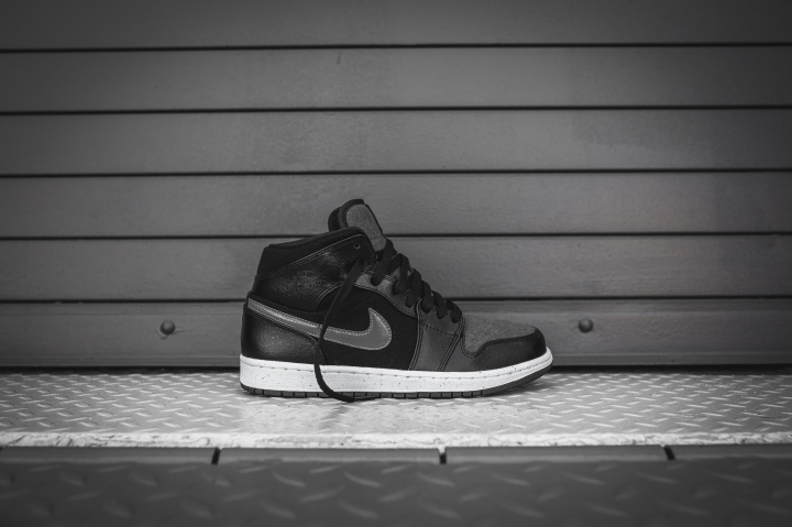 air-jordan-1-mid-premium-black-dark-grey-2