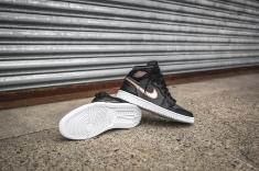 air-jordan-1-retro-high-black-bronze-dark-grey-white-16
