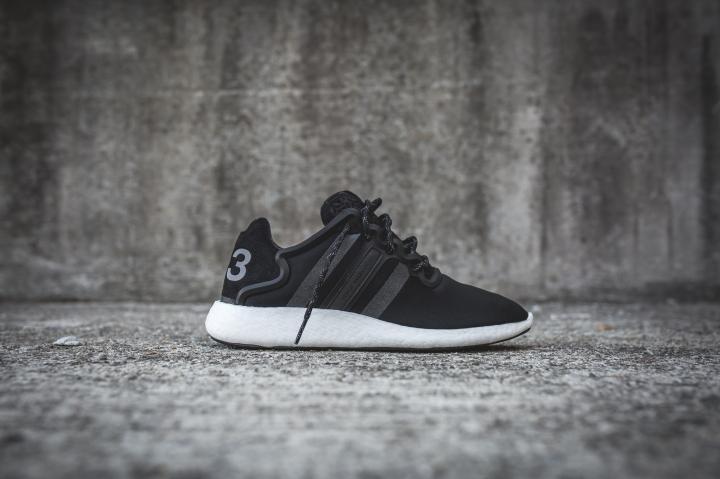 y-3-yohji-run-core-black-white-2