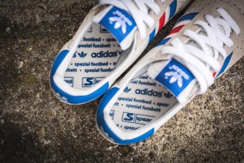 adidas-indoor-super-spezial-white-royal-s75926-20