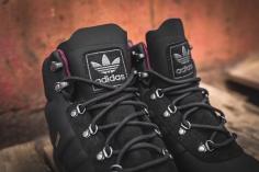 adidas-jake-boot-2-0-black-maroon-b27513-6