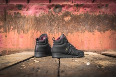adidas-jake-boot-2-0-black-maroon-b27513-8