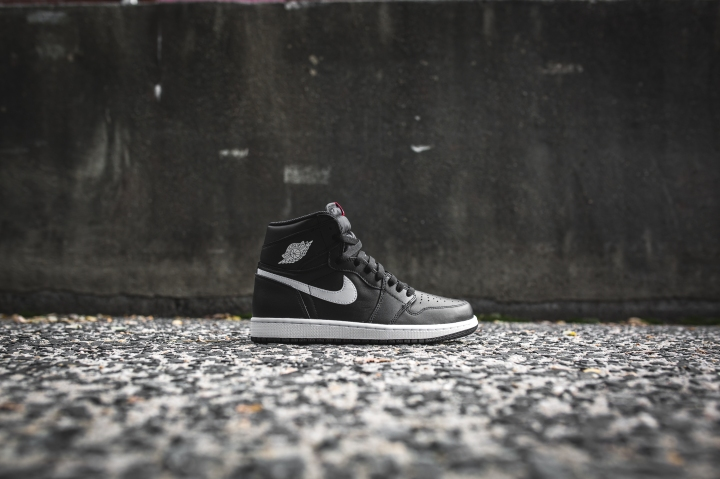 air-jordan-1-ying-yang-pack-black-white-555088-011-2