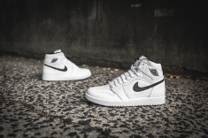air-jordan-1-ying-yang-pack-white-black-555088-102-9
