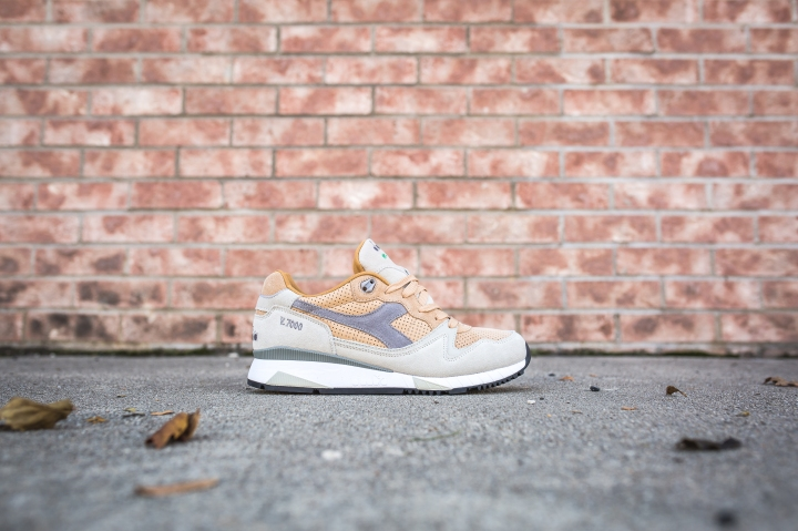 diadora-v7000-sand-light-gray-161998-c6277-2