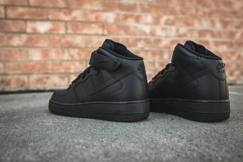 nike-air-force-1-07-mid-black-315123-001-11