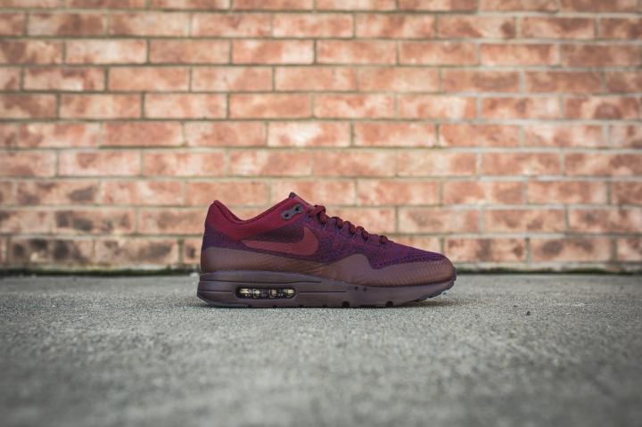 nike-air-max-1-ultra-flyknit-grand-purple-team-red-856958-566-2