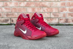 nike-hyperdunk-08-gym-red-white-angle