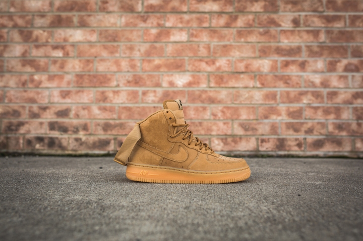 nike-wmns-air-force-1-hi-flax-654440-200-2