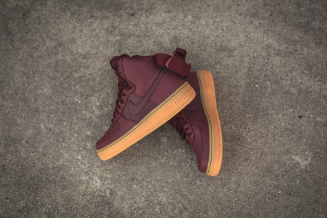 wmns-air-force-1-hi-se-night-maroon-860544-600-10