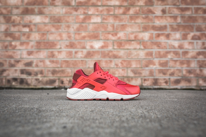 wmns-air-huarache-run-ember-glow-dark-cayenne-634835-801-2