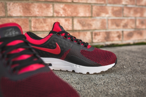 nike-air-max-zero-essential-university-red-876070-600-13
