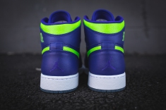 air-jordan-1-retro-high-bg-705300-407-5