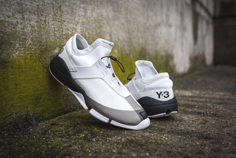 y-3-future-low-s82132-18