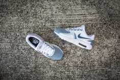 nike-air-max-zero-essential-876070-003-11