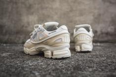 adidas-raf-simons-ozweego-bunny-s81161-6