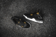 air-jordan-4-retro-royalty-308497-032-11