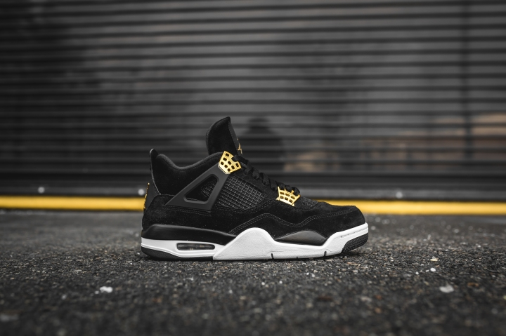 air-jordan-4-retro-royalty-308497-032-2