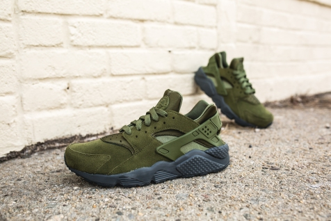 nike-air-huarache-run-se-852628-301-13