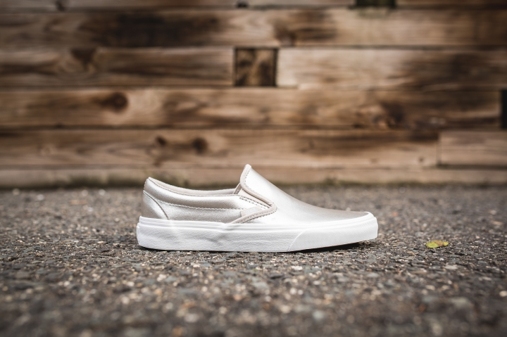 vans-classic-slip-on-vn0a38f769y-2