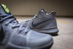Nike Kyrie 3 852395 001-12