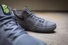 Nike Kyrie 3 852395 001-14