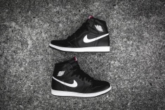 Air Jordan 1 Retro High OG 'Ying Yang' 555088 011-10