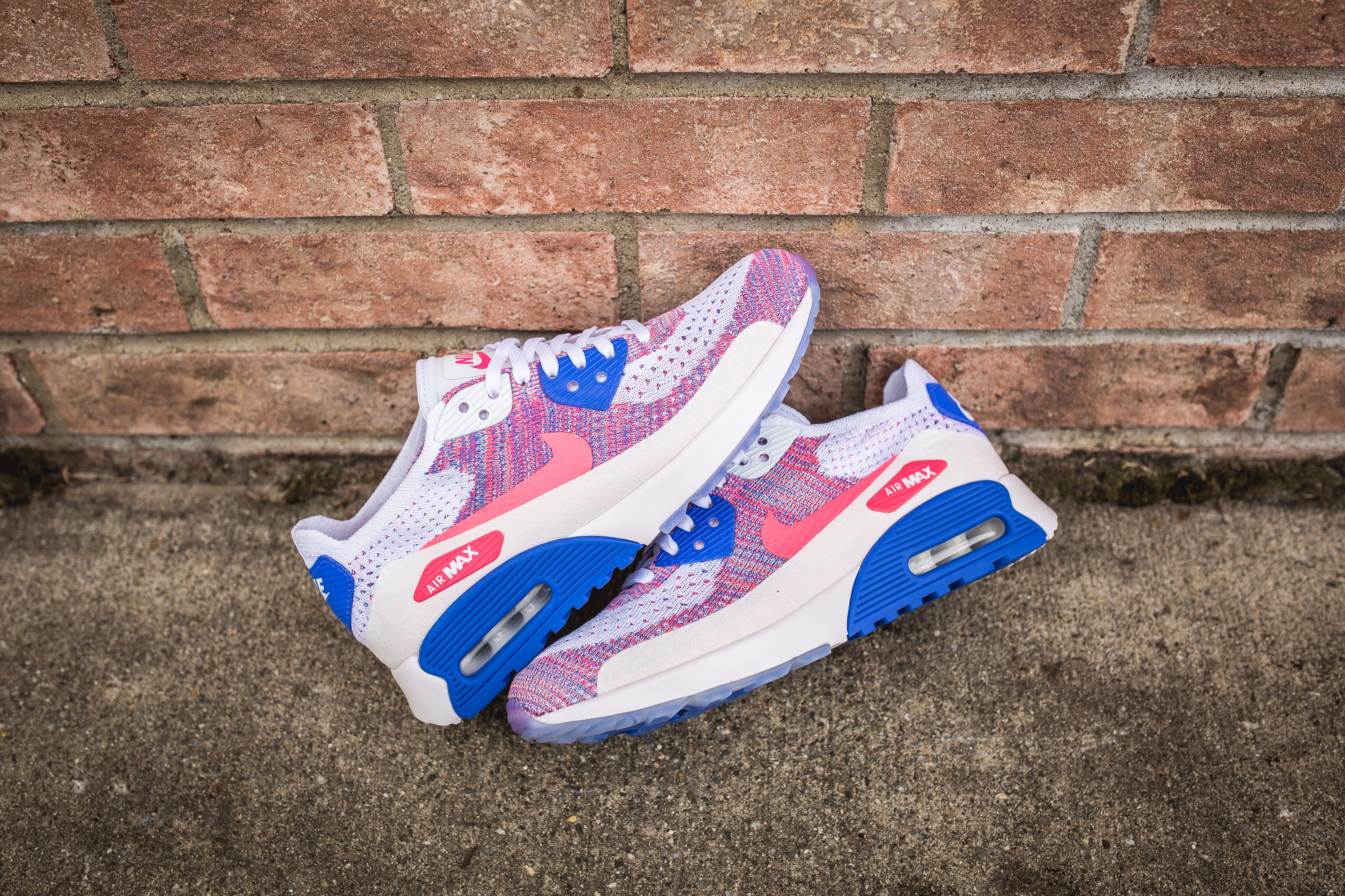 5738123b7ba8 ... sweden nike wmns air max 90 ultra 2.0 flyknit white racer pink medium  blue 160 b2209