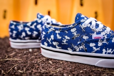 Peanuts x Vans Authentic Snoopy Skating Kids VN0A38E7OQW-7