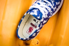 Peanuts x Vans Authentic Snoopy Skating Kids VN0A38E7OQW-8
