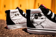 Peanuts x Vans SK8-Hi Zip Joe Cool Kids VN0A32R3OQU -7