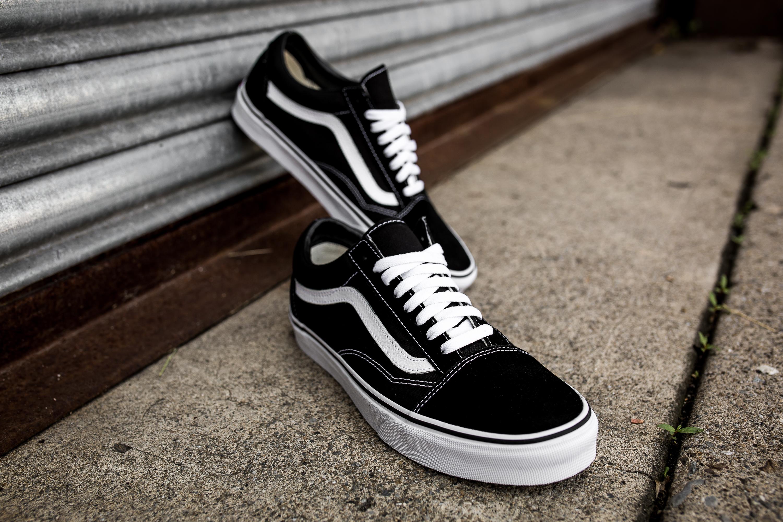 old skool vans black hi