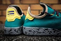 Pharrell x adidas Tennis HU CQ1872-10