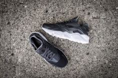 Nike Air Huarache Run PRM 704830 009-10