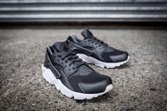 Nike Air Huarache Run PRM 704830 009-11