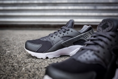 Nike Air Huarache Run PRM 704830 009-12