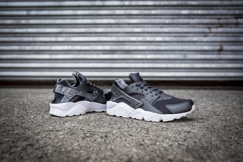 Nike Air Huarache Run PRM 704830 009-8