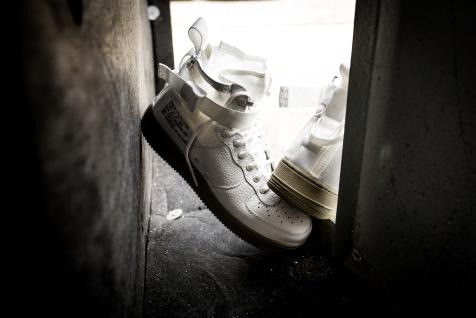 Nike SF AF1 Mid 917753 101-14