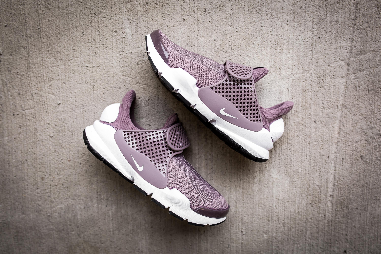 54d8dc5243426b ... Women Shoes Sneakers Sl Nike Sock Dart SE in Obsidian and Glacier Grey  Nike W Nike Sock Dart 848475 201-10