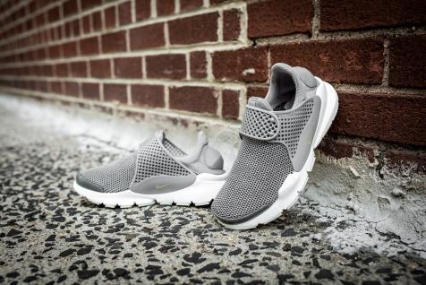 Nike wmns Nike Sock Dart SE 862412 005-12