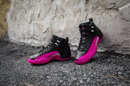 Air Jordan 12 Retro black-pink-13