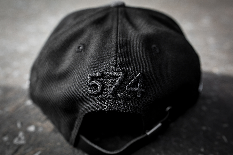 Nuevo Equilibrio X Nueva Era 574 - Negro / Gris / Goma DJ8C2DHvzi