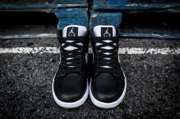 Air Jordan 1 Mid 554724 038-4