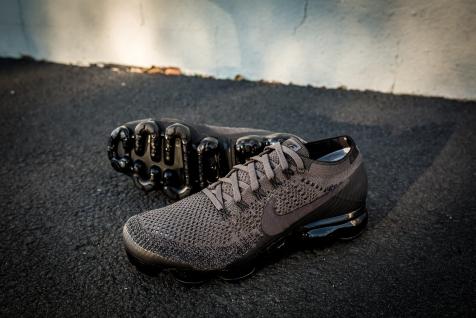 Nike Air Vapormax Flyknit 849558 009-7